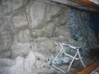 Teilweise mit Beton überzogen