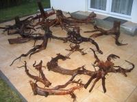 Mit Hochdruckreiniger behandeltes Moorkienholz