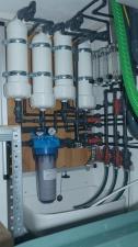 Osmosefilter mit aktueller Verrohrung