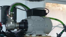 Drehschieberpumpe mit Stahlflexleitung (mit neuem Motor)